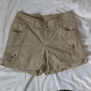 Womens Columbia omni Shade Shorts Size 4